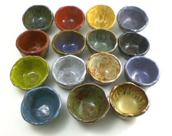 f5e8f3b0bfc7b86bf7cf2b4f87d1aad1--pinch-pots-pottery-ideas